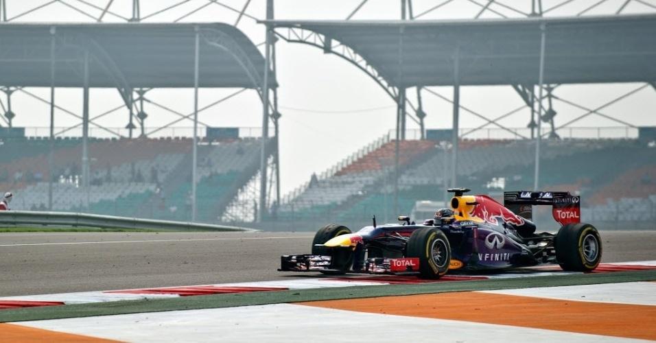 26.out.2013 - Sebastian Vettel, da Red Bull, dominou os treinos livres para o Grande Prêmio da Índia de Fórmula 1