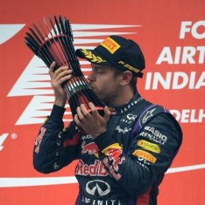 : Após título, Vettel é repreendido por excesso em comemoração na pista