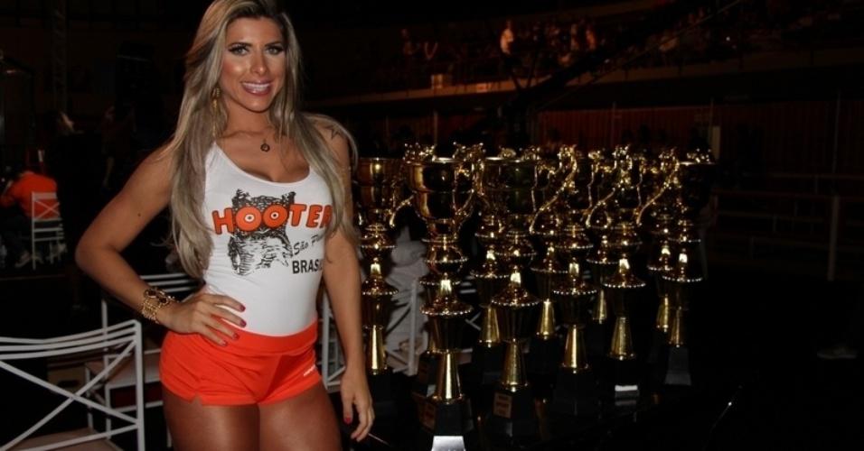 02.11.2013 - Ana Paula Minerato foi ring girl de evento de MMA em São Paulo, que teve Bruno KLB na luta principal