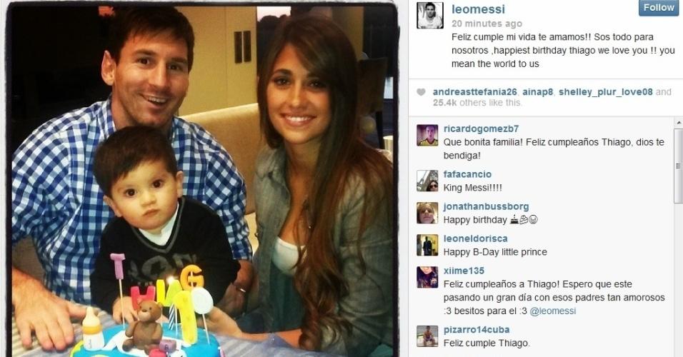 Messi, com o filho Thiago e a mulher Antonella