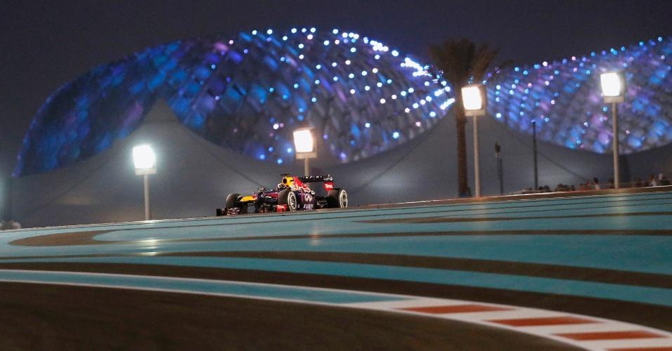 03.11.2013 - Vettel venceu o GP de Abu Dhabi, o sétimo seguido na temporada de Fórmula 1