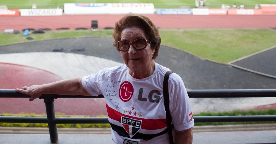Dona Neusa, sogra do Muricy Ramalho, técnico do São Paulo, no estádio do Morumbi