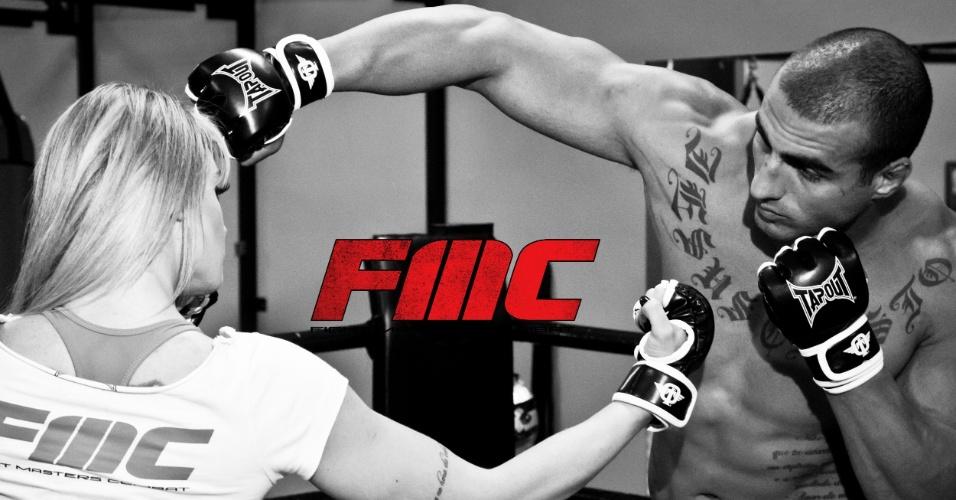 Ex-Panicat e atual Legendários, Juju Salimeni posa como lutadora antes de ser a ring girl do evento FMC, que acontece em dezembro, em São Paulo