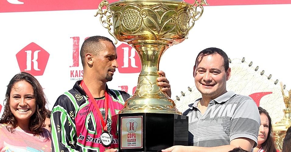 Leões da Geolândia (de verde) venceu o Família 100 Valor por 2 a 0 e foi campeão da Série A da Copa Kaiser