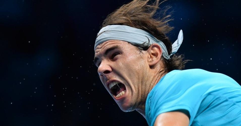 06.nov.2013 - Rafael Nadal grita durante lance do confronto contra Stanislas Wawrinka