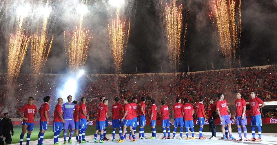 15.out.2013 - Chile faz bela festa para comemorar a classificação para a Copa do Mundo-2014 após a vitória por 2 a 1 sobre o Equador