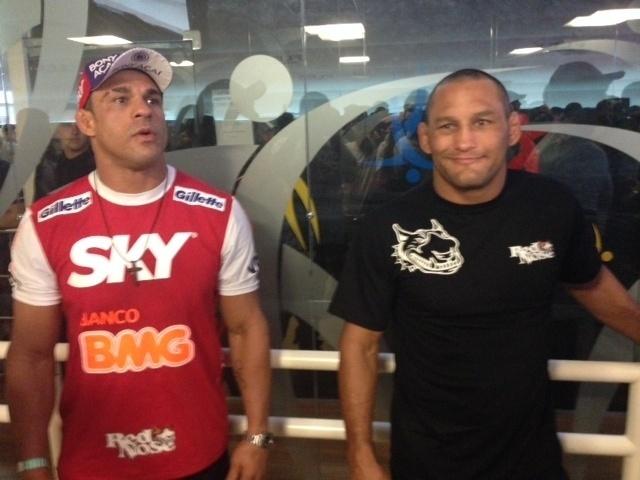 Vitor Belfort participará de revanche contra Dan Henderson, dia 9, em Goiás