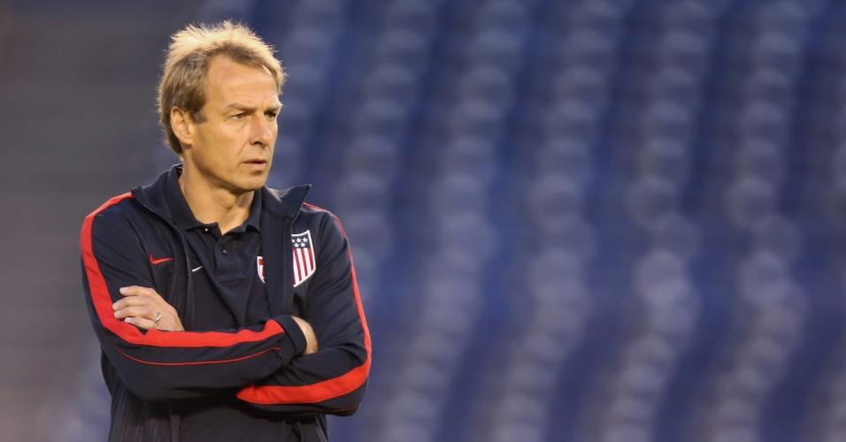 05.jul.2013 - Jürgen Klinsmann, técnico dos EUA, acompanha seus jogadores durante a goleada de 6 a 0 sobre a Guatemala pelas eliminatórias da Copa-2014