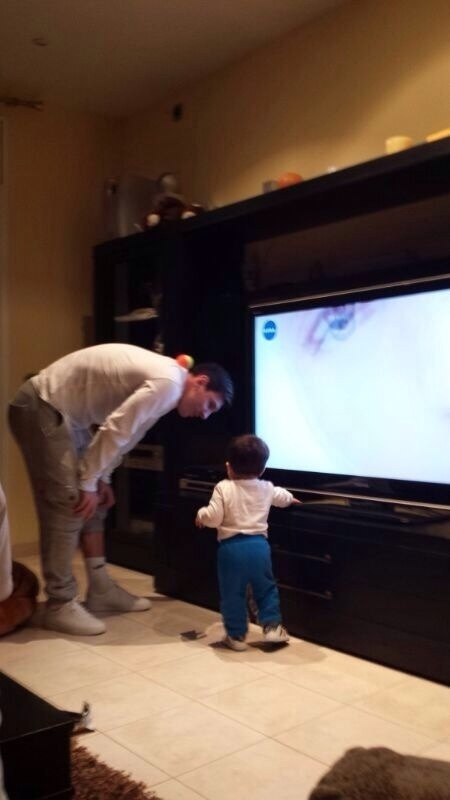 Messi tem um dia de babá com o filho, Thiago