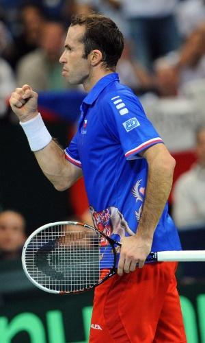 15.nov.2013 - Stepanek, da República Tcheca, comemora o ponto marcado contra o sérvio Djokovic