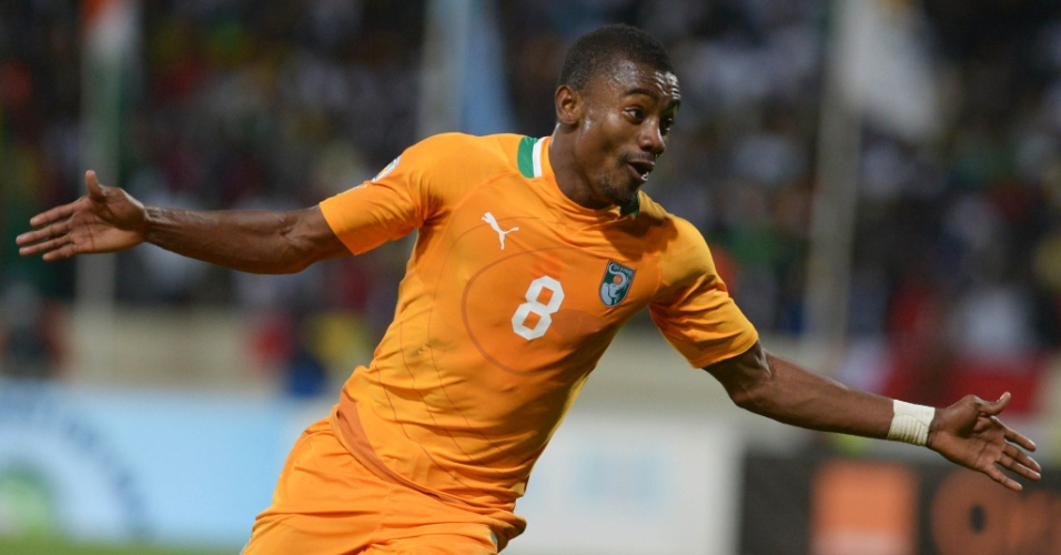 16.nov.2013 - Kalou comemora após marcar gol da Costa do Marfim no empate por 1 a 1 contra o Senegal que garantiu a classificação para a Copa