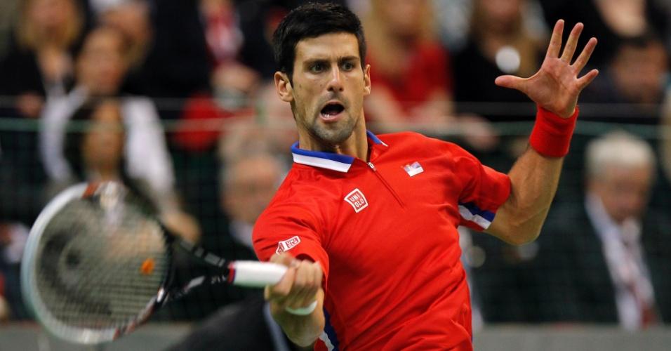 17.nov.2013 - Novak Djokovic joga contra Tomas Berdych a quarta partida da decisão da Copa Davis entre Sérvia e Rep. Tcheca