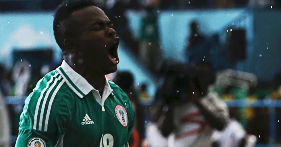 16.nov.2013 - Victor Obinna comemora após marcar um dos gols da vitória por 2 a 0 da Nigéria sobre a Etiópia; resultado classificou as Super Águias para a Copa-2014