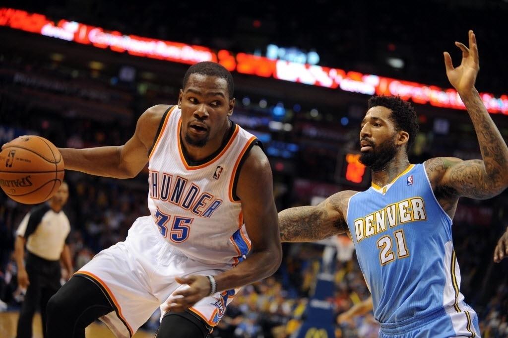 18.nov.2013 - Kevin Durant anotou 38 pontos, distribuiu 6 assistências e pegou 8 rebotes na vitória do OKC Thunder sobre os Nuggets por 115 a 113