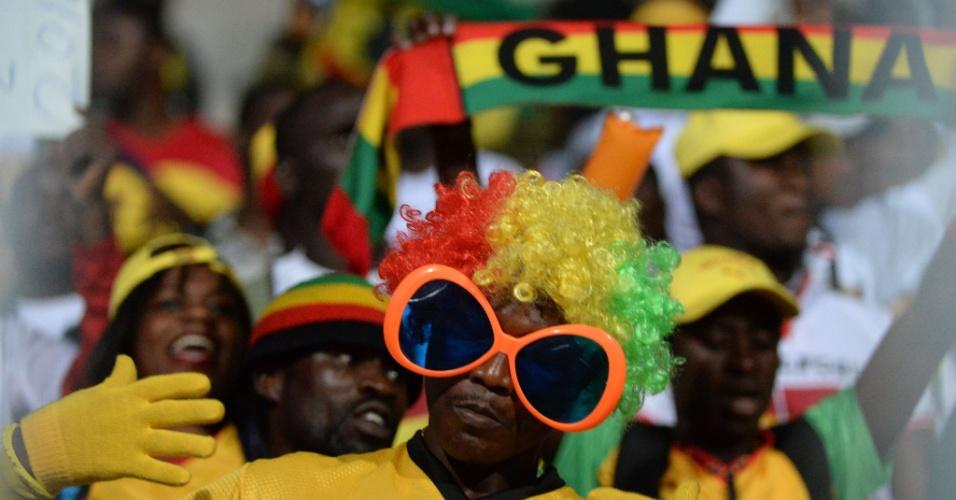 Torcida de Gana aguarda início do jogo contra o Egito pelas Eliminatórias