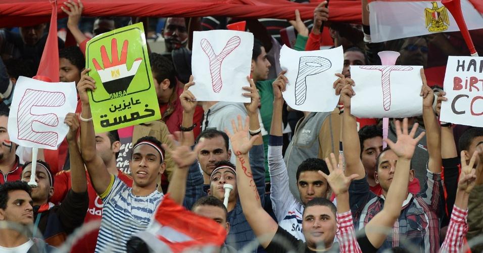Torcida egípcia faz festa para sua seleção antes do jogo contra Gana
