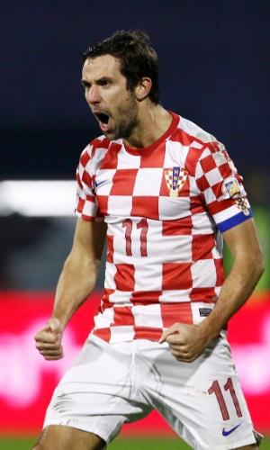 19.nov.2013 - Darijo Srna comemora após marcar um dos gols da vitória por 2 a 0 da Croácia sobre a Islândia; resultado classificou os croatas para a Copa do Mundo-2014