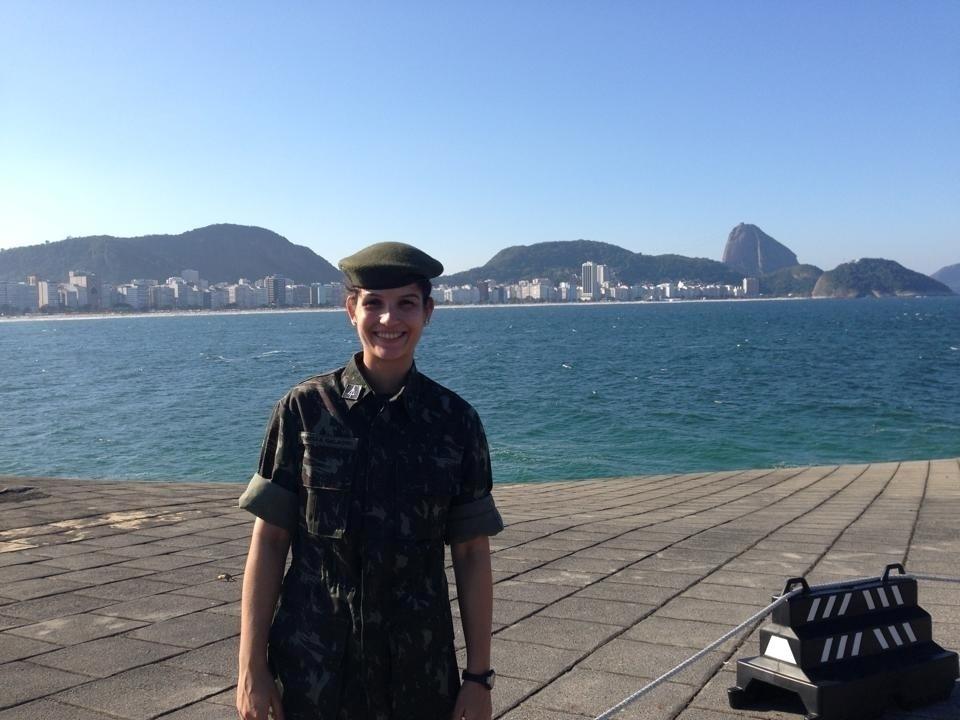 Raphaella também representa o Brasil pelo Exército. A atleta militar tem a patente de sargento