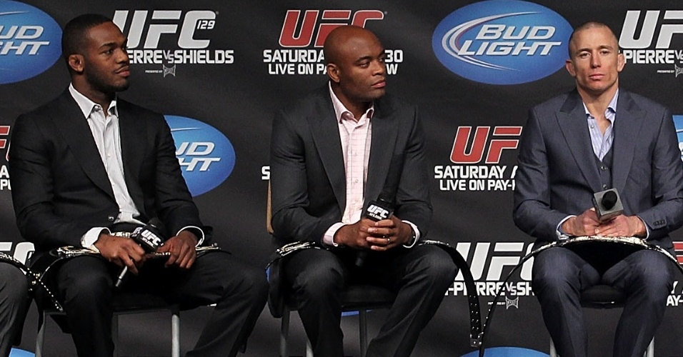 Jon Jones, Anderson Silva e Georges St-Pierre estiveram juntos no UFC 129, em abril de 2011