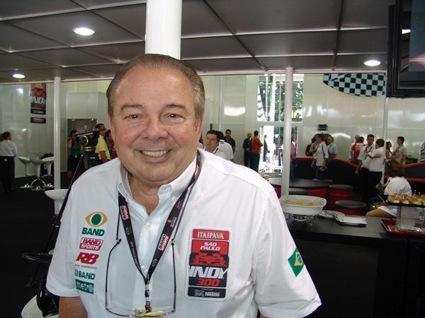 Luciano do Valle durante uma de suas participações na transmissão da Fórmula Indy de São Paulo