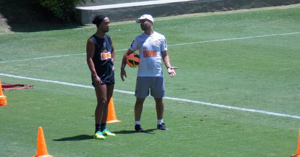Ronaldinho Gaúcho, do Atlético-MG, durante atividade na Cidade do Galo (21/11/2013)