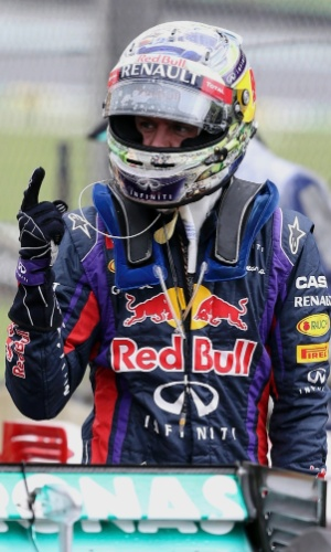 23.11.2013 - Vettel comemora pole position conquistada no GP de Interlagos
