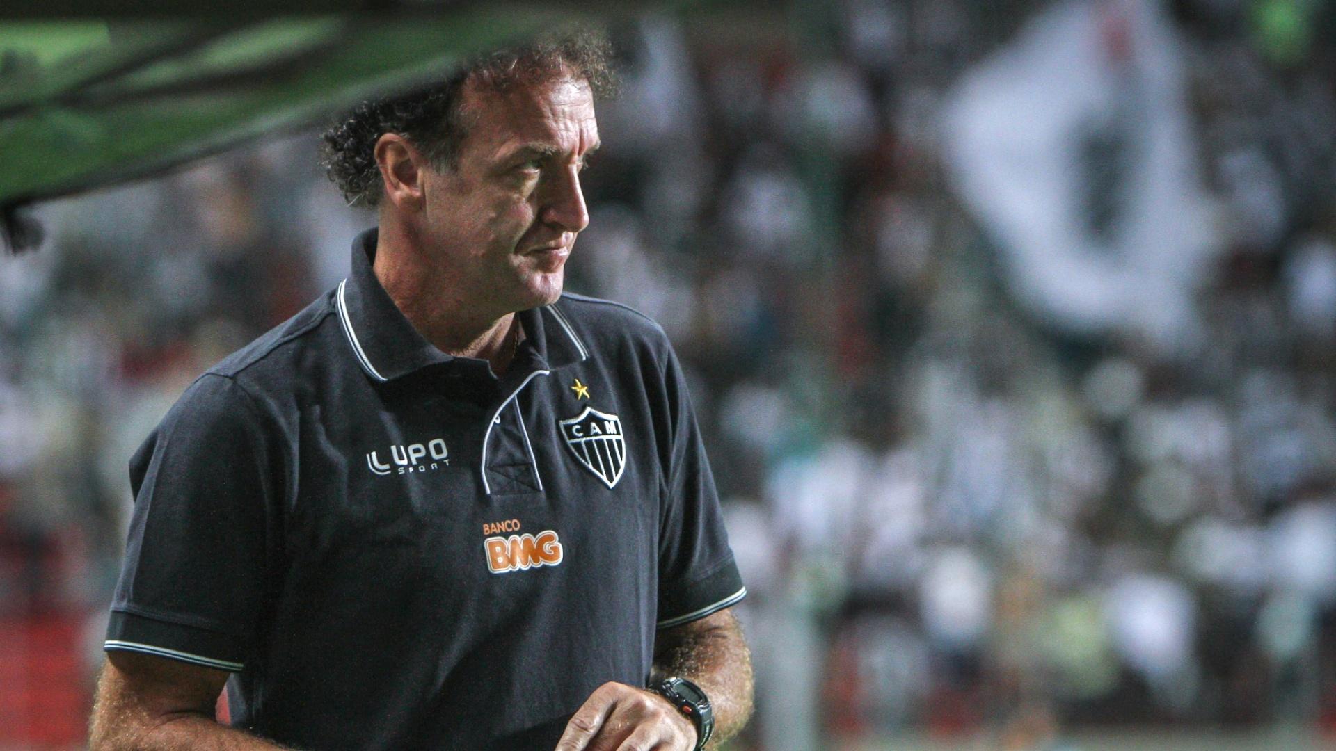 Técnico Cuca durante goleada do Atlético-MG sobre o Goiás, por 4 a 1, no Independência (23/11/2013)