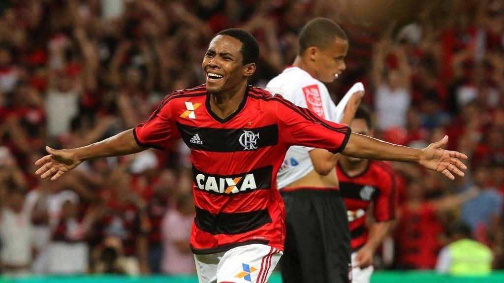 Elias comemora o primeiro gol do Flamengo na final da Copa do Brasil