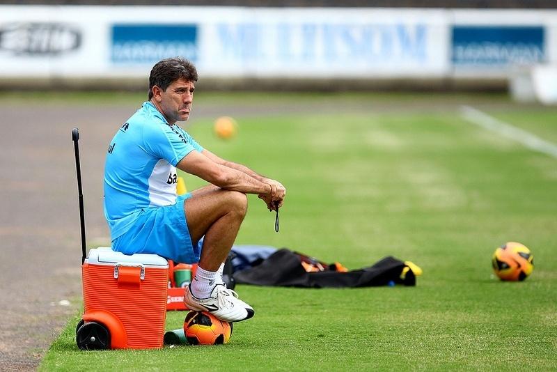 28.11.2013 - Renato Gaúcho acompanha o treinamento do Grêmio no Olímpico
