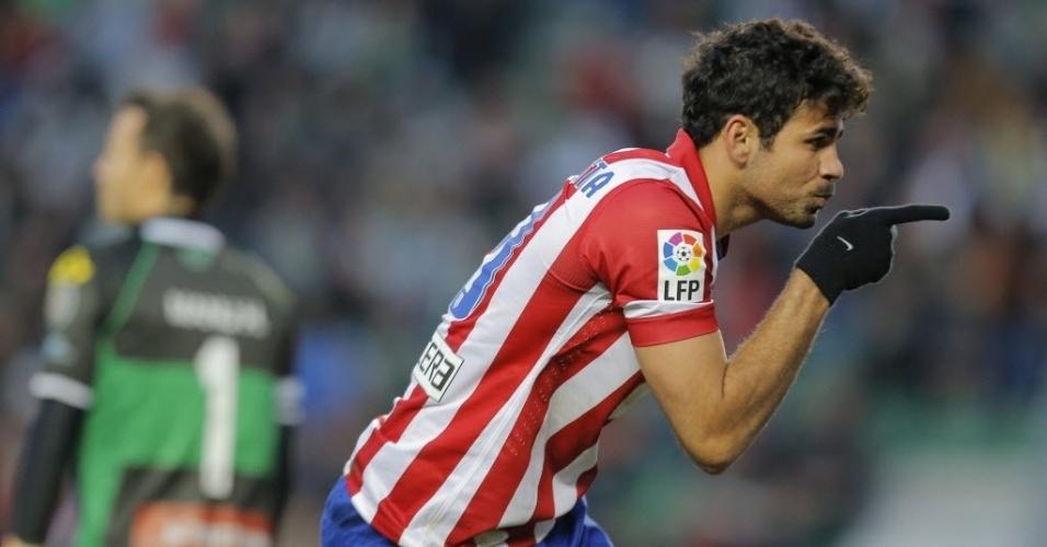 30.nov.2013 - Diego Costa comemora seu gol pelo Atlético de Madri na partida contra o Elche, em duelo da 15ª rodada do Campeonato Espanhol
