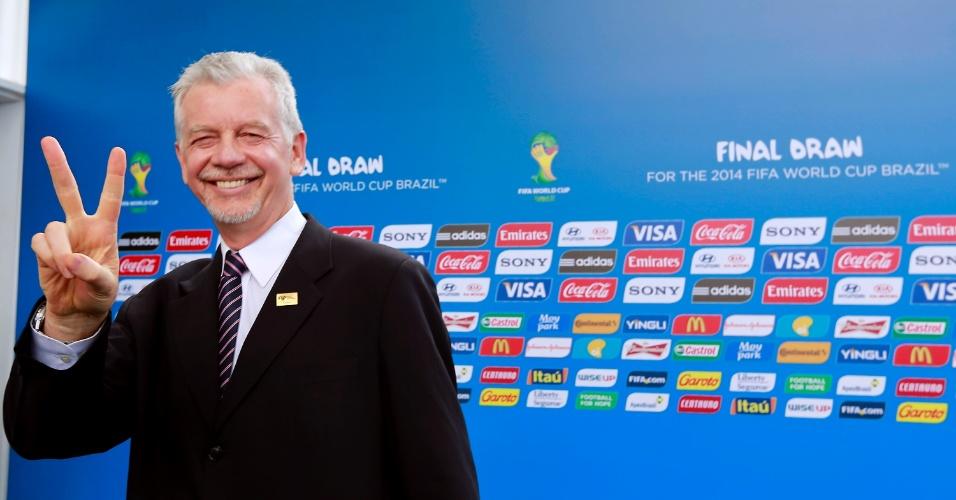 06.dez.2013 - Convidados chegam à Costa do Sauípe (BA) para o sorteio da Copa do Mundo 2014