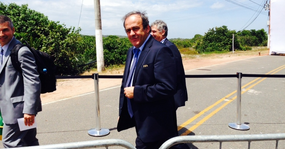 06.dez.2013 - Michel Platini, presidente da Uefa, chega para acompanhar o sorteio