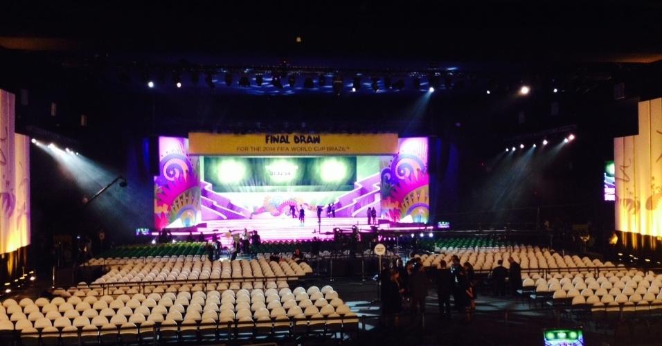 06.dez.2013 - Palco onde será realizado o sorteio dos grupos da Copa do Mundo de 2014