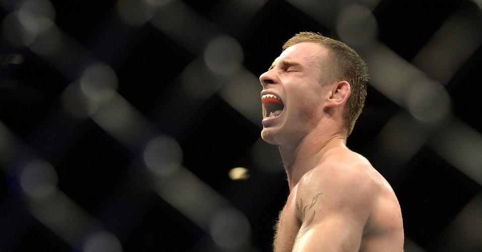 7.dez.2013 - Krzysztof Jotko comemora após vencer Bruno Carioca por pontos no UFC Pezão vs Hunt