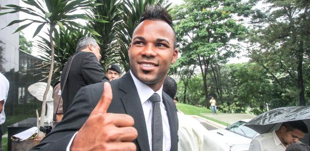 O Grêmio espera anunciar a contratação do atacante Fernandinho, ex-Atlético-MG, na próxima semana