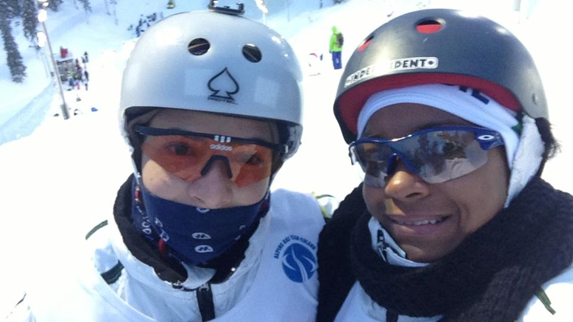10.12.2013 - Laís Souza e Josi Santos, dupla brasileira do esqui freestyle
