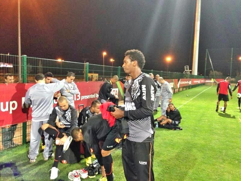 Atacante Jô durante treino do Atlético-MG em Marrakesh, no Marrocos (11/12/2013)