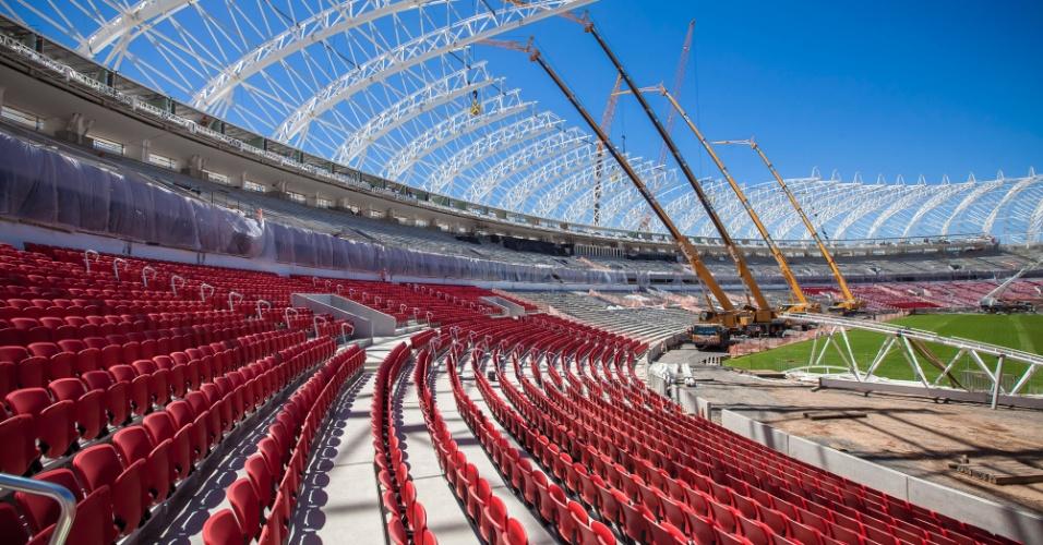 13.12.2013 - Governo federal divulgou imagens da obra do Beira-Rio, estádio de Porto Alegre para a Copa