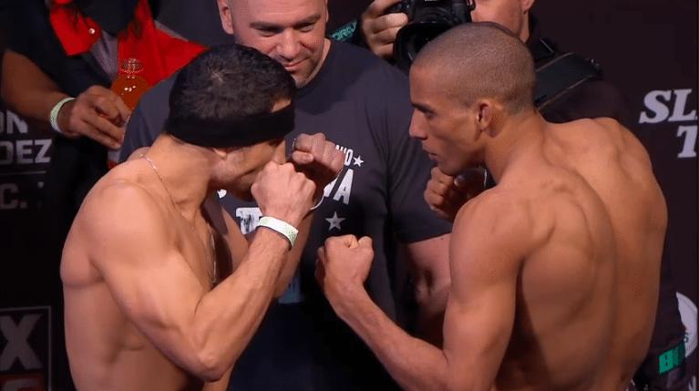 Brasileiro Edson Barboza (dir.) encara Danny Castilho durante pesagem do UFC on FOX 9