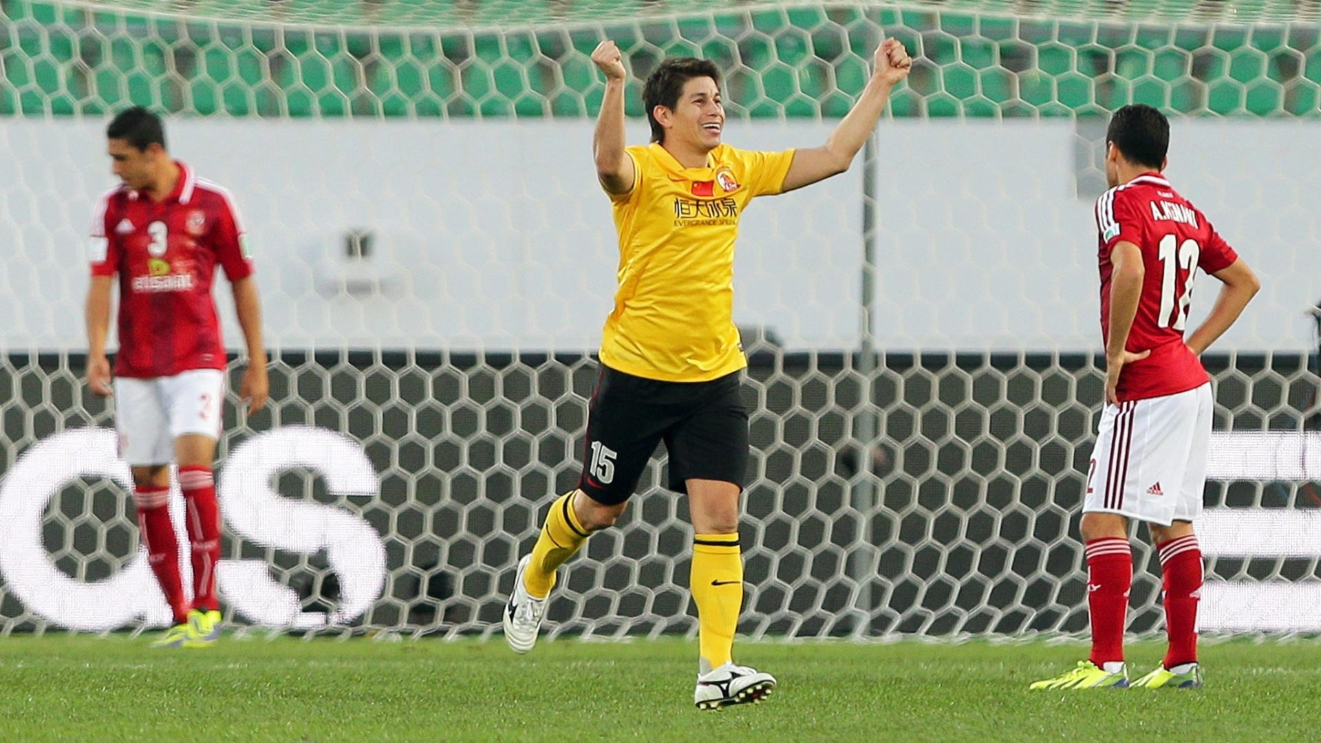 14. dez. 2013 - Conca comemora segundo gol do Guangzhou