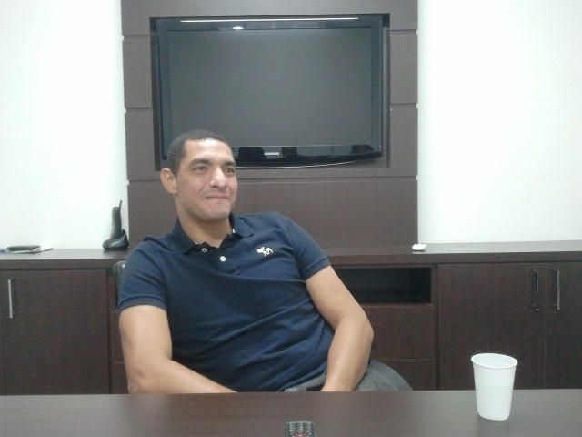 Aposentado como goleiro, Fábio Costa dá entrevista no escritório da empresa Think Ball