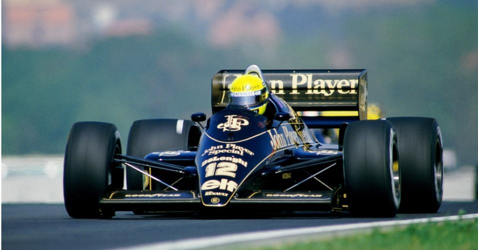 Ayrton Senna com a Lotus Renault no GP da Hungria de 1986