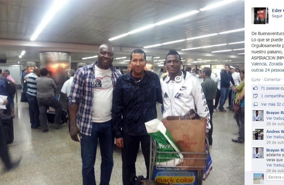 Rincón intermediou chegada do colombiano Brayan Reascos (à dir.) para a base do Corinthians