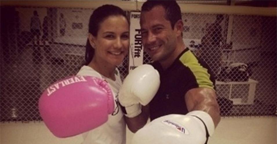 Kyra Gracie publica foto com Malvino Salvador em treino de boxe