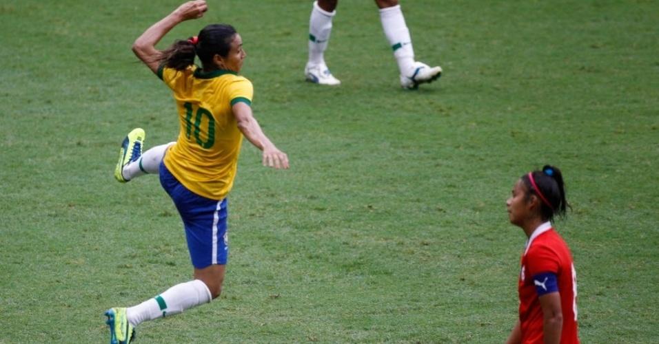 Marta celebra segundo gol da seleção na final contra o Chile
