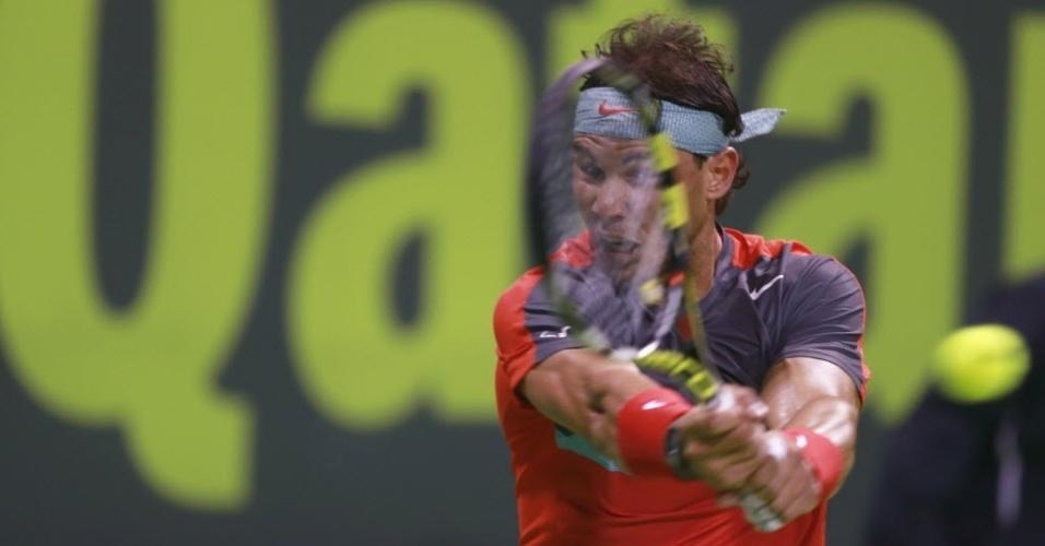 02.jan.2014 - Rafael Nadal venceu Ernerts Gulbis por 2 sets a 0 e está na semifinal do ATP 250 de Doha