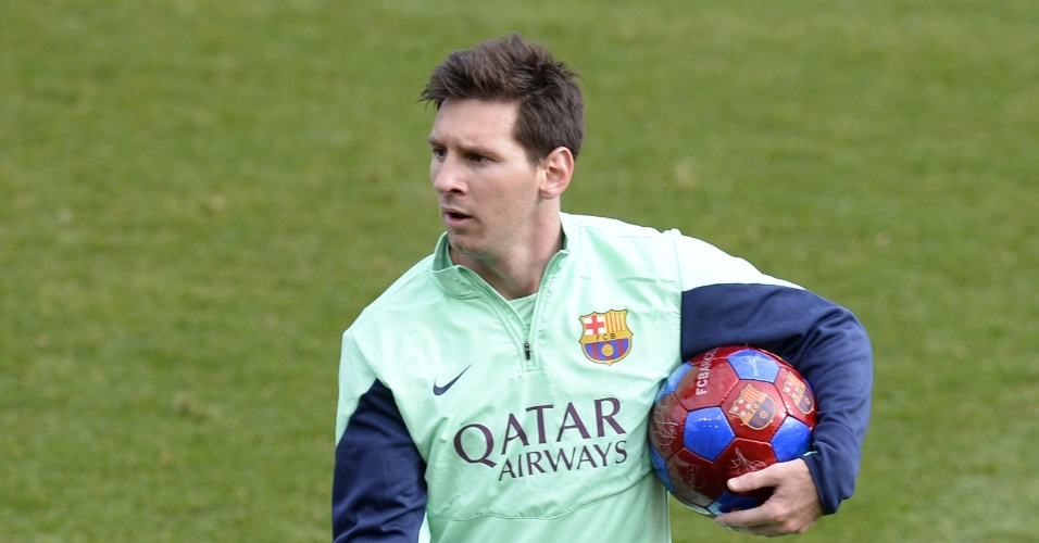 03.jan.2014 - Messi durante o treino aberto do Barcelona