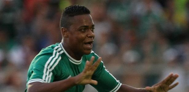 Atacante Erik, do Palmeiras, comemora gol na Copinha