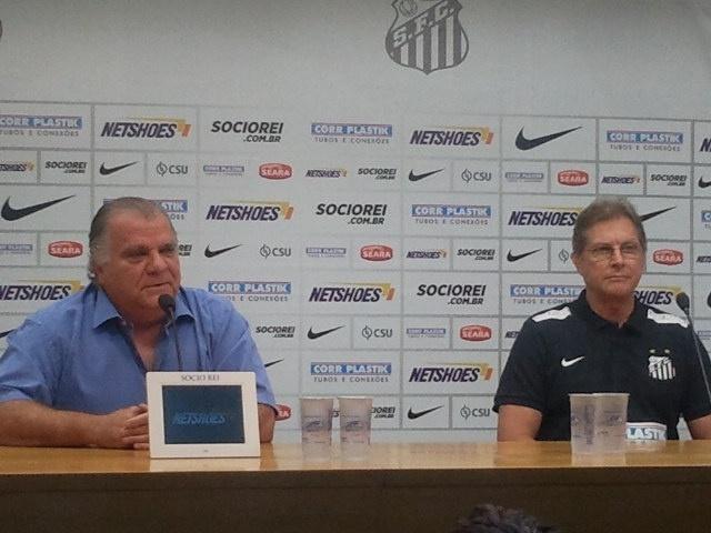 Presidente do Santos, Odílio Rodrigues, apresenta o técnico Oswaldo de Oliveira, nesta quarta-feira, na Vila
