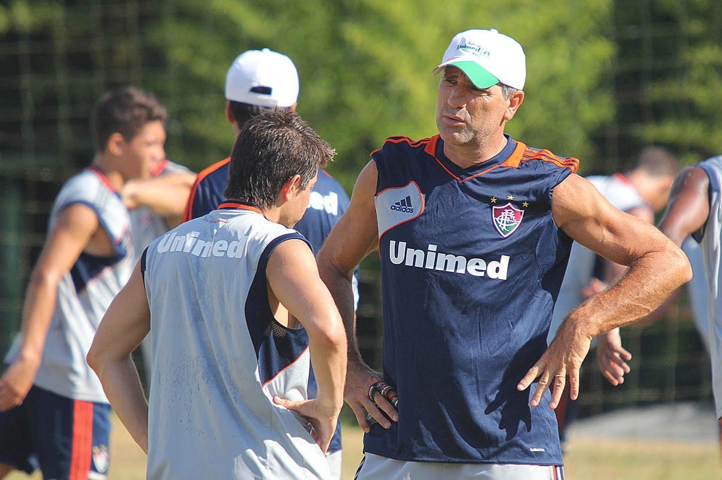 13. jan. 2014 - Conca e Renato Gaúcho conversam durante treino do Fluminense em pré-temporada